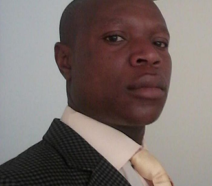 Vengi Masawi, assistant trainer.