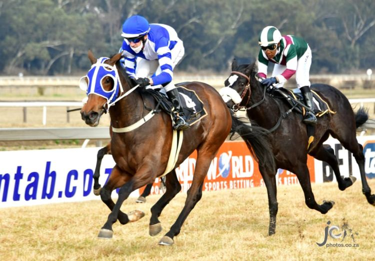 Lilliana wins her Maiden at the Vaal. (JC Photos).